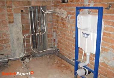 Монтаж труб водопровода и канализации